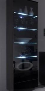 Vysoká prosklená vitrína Astor 1