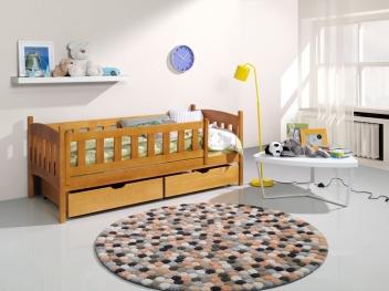 Dětská postel z masivu se zábranou Armon