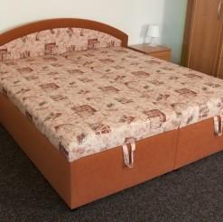 Čalouněná postel Lucia