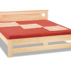 Dřevěná postel Simeon