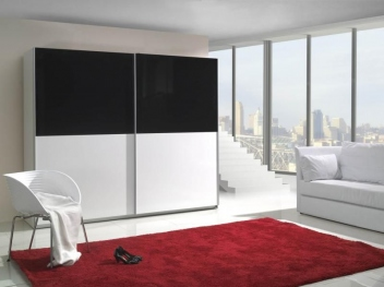 Kontrastní šatní skříň Darvin 6 – inspirace do ložnice