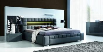 Čalouněná postel Zeus